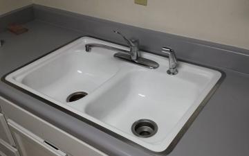 Porcelain Sinks, Tub, and, Tile, REFINISH job