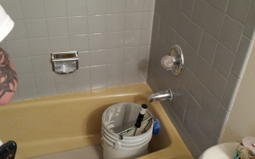 Porcelain Sinks, Tub, and, Tile, REFINISH job_4
